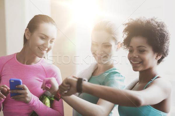 Felice donne tempo palestra Foto d'archivio © dolgachov