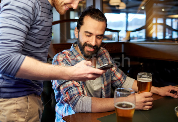 мужчин питьевой пива Бар Паб Сток-фото © dolgachov