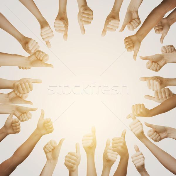 Umani mani cerchio gesto Foto d'archivio © dolgachov