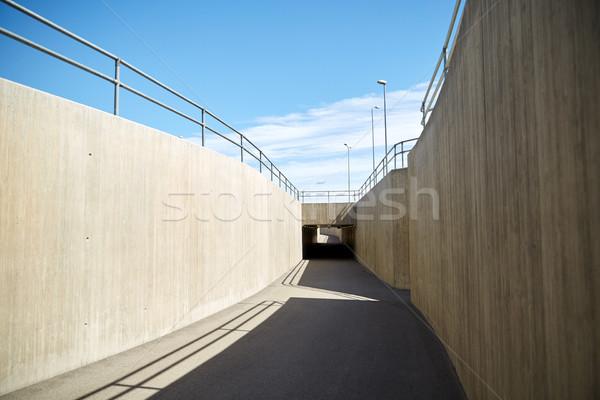 Urbaine ville tunnel construction architecture moderne bleu Photo stock © dolgachov