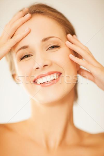 ストックフォト: 女性 · 触れる · 顔 · 肖像 · 美人 · 手