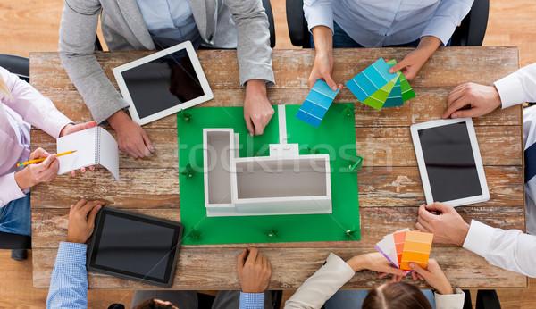 Közelkép üzleti csapat projekt elrendezés üzletemberek csapatmunka Stock fotó © dolgachov