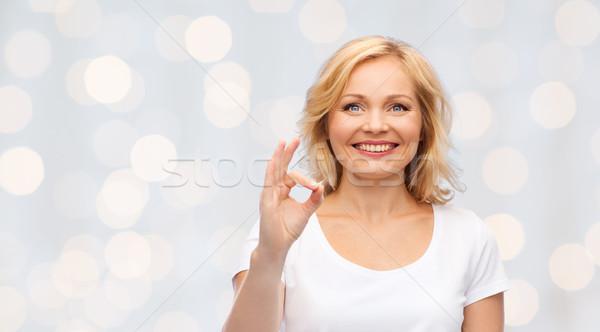 Glücklich Frau weiß tshirt Stock foto © dolgachov