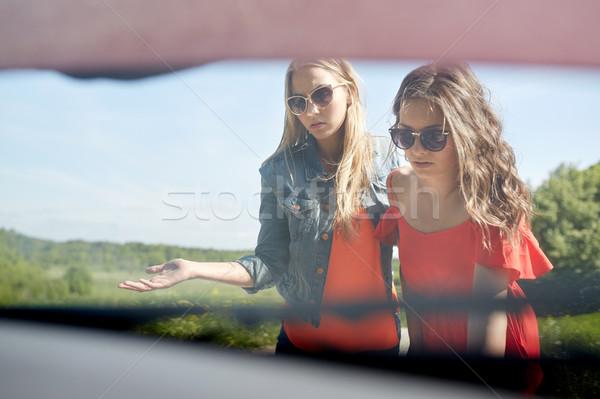 Donne open auto rotta campagna strada viaggio Foto d'archivio © dolgachov