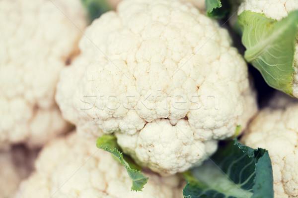 Közelkép karfiol utca piac vásár aratás Stock fotó © dolgachov