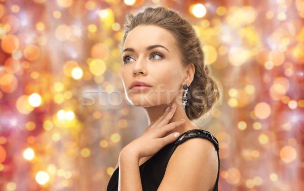 Mujer hermosa joya piedra pendientes belleza lujo Foto stock © dolgachov