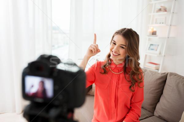 Kadın kamera video ev blog teknoloji Stok fotoğraf © dolgachov