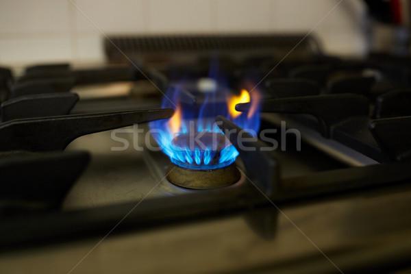 Yanan gaz soba alev mutfak pişirme Stok fotoğraf © dolgachov