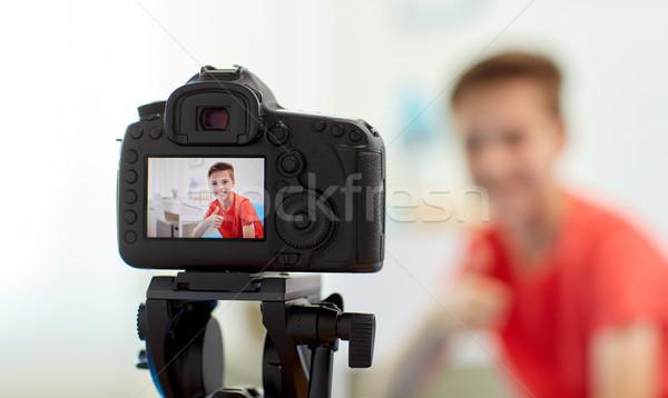 камеры видео блоггер мальчика домой Сток-фото © dolgachov
