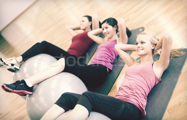 Csoportkép edz pilates osztály fitnessz sport Stock fotó © dolgachov