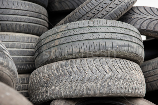 Közelkép kerék autógumik autógumi karbantartás szolgáltatás Stock fotó © dolgachov