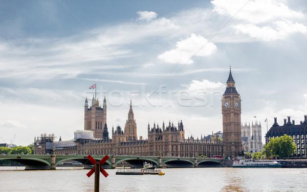 Engeland Londen bezienswaardigheden theems rivier reizen Stockfoto © dolgachov