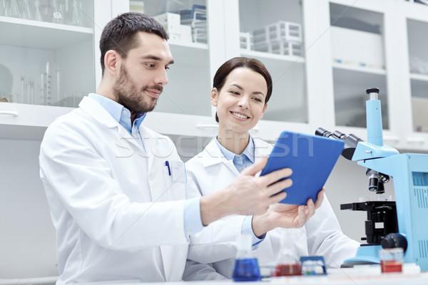 Wetenschappers microscoop lab wetenschap chemie Stockfoto © dolgachov