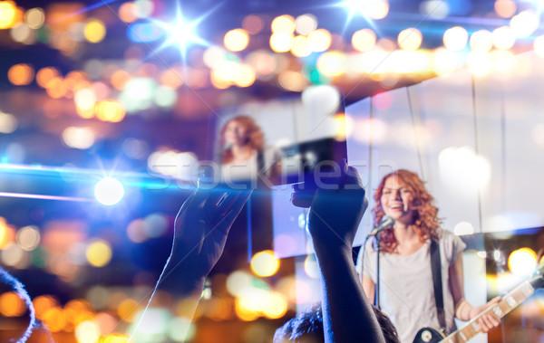 Manos toma vídeo música concierto Foto stock © dolgachov