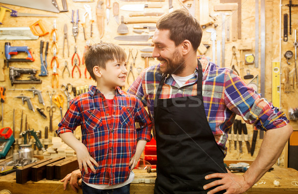 Mutlu baba küçük oğul atölye aile Stok fotoğraf © dolgachov