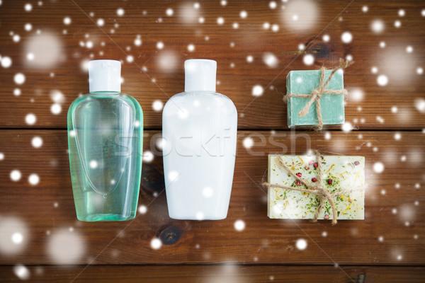 Hecho a mano jabón bares loción botellas madera Foto stock © dolgachov
