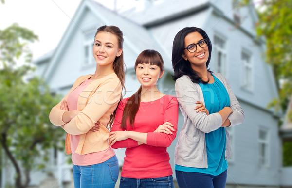 Internacional grupo feliz sorridente mulheres diversidade Foto stock © dolgachov