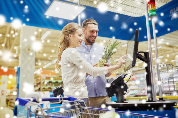 Paar kopen voedsel kassa winkelen Stockfoto © dolgachov