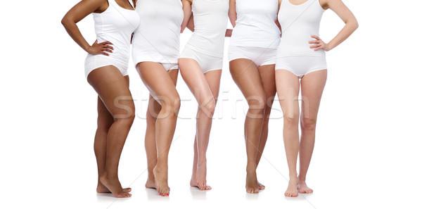 Foto stock: Grupo · feliz · diverso · mulheres · branco · roupa · interior