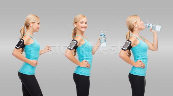 женщину работает прослушивании музыку питьевая вода спорт Сток-фото © dolgachov