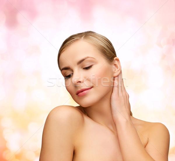 Gezicht handen mooie vrouw gezondheid schoonheid vrouw Stockfoto © dolgachov