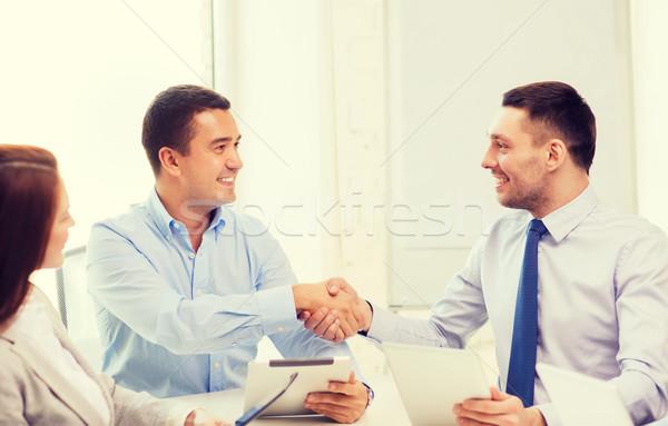 Business team werken kantoor business glimlachend Stockfoto © dolgachov