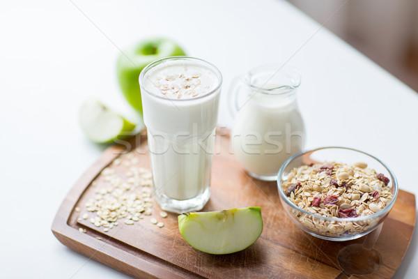 Müsli yoğurt gıda sağlıklı beslenme Stok fotoğraf © dolgachov