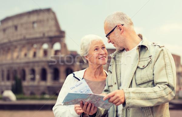 Zdjęcia stock: Starszy · para · ulicy · miasta · rodziny · wiek · turystyki · podróży