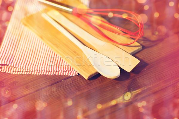 Közelkép főzés konyhai felszerelés fa deszka karácsony ünnepek Stock fotó © dolgachov