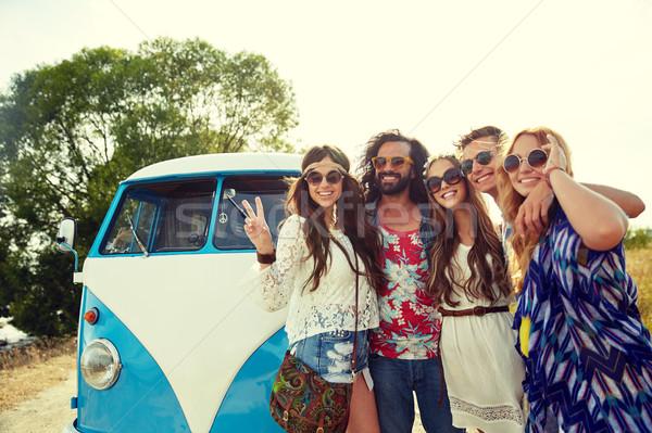 Hippie amigos carro paz Foto stock © dolgachov