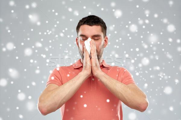 Hasta adam kâğıt silme burun üfleme kar Stok fotoğraf © dolgachov