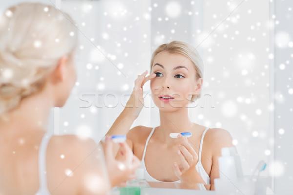 Mulher jovem banheiro beleza visão Foto stock © dolgachov