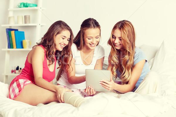 Foto stock: Feliz · amigos · adolescente · ninas · casa
