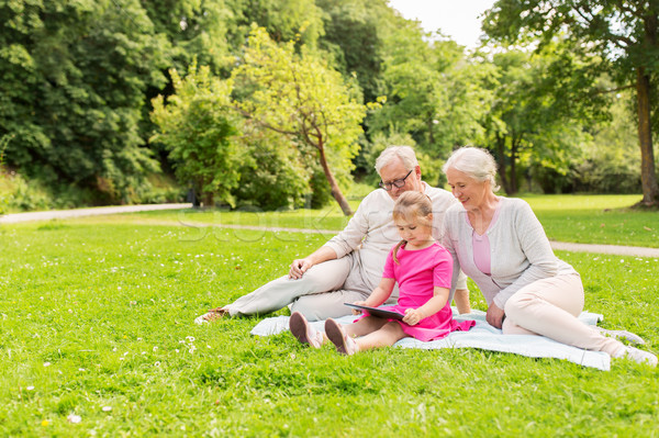 祖父母 孫娘 家族 世代 人 ストックフォト © dolgachov