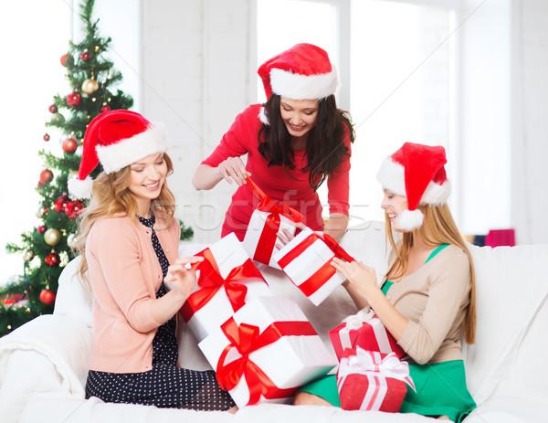 Stok fotoğraf: Kadın · yardımcı · çok · hediye · kutuları