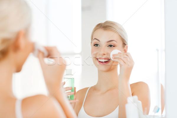 Сток-фото: лосьон · стиральные · лице · ванную · красоту