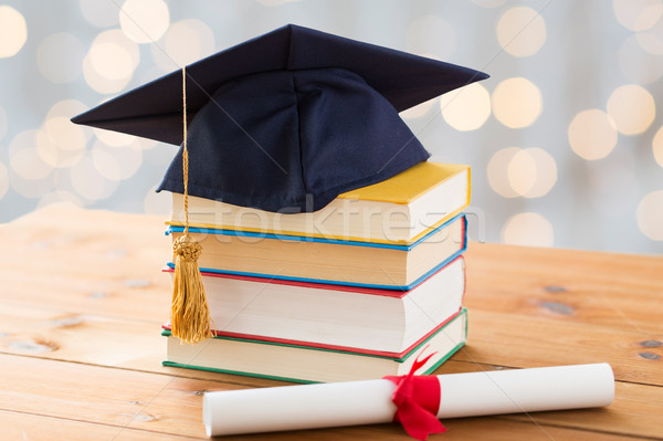 Kitaplar diploma eğitim okul mezuniyet Stok fotoğraf © dolgachov
