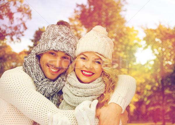 Feliz Pareja caliente ropa temporada de otoño personas Foto stock © dolgachov