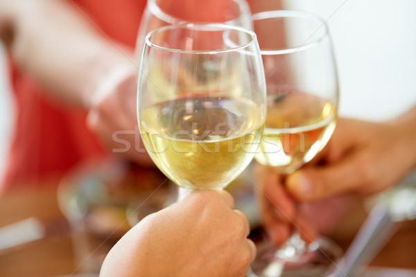 手 ワイングラス お祝い 食べ 休日 ストックフォト © dolgachov