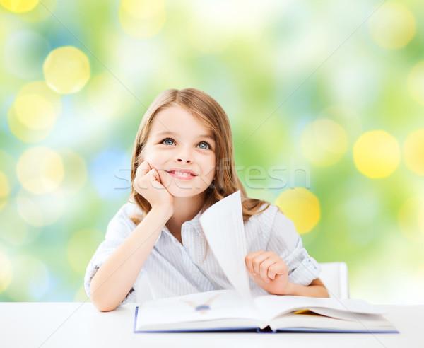 Foto stock: Feliz · estudante · menina · livro · escolas · educação