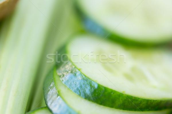 Pepino rebanadas apio dieta vegetales Foto stock © dolgachov