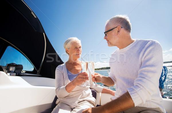 Foto stock: Pareja · de · ancianos · gafas · barco · yate · vela · edad
