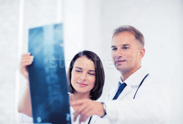 два врачи глядя Xray здравоохранения медицинской Сток-фото © dolgachov