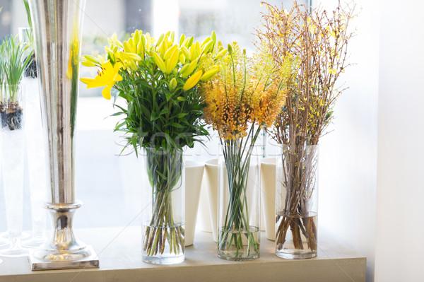 Közelkép virágok virágüzlet kertészkedés vásár ünnepek Stock fotó © dolgachov
