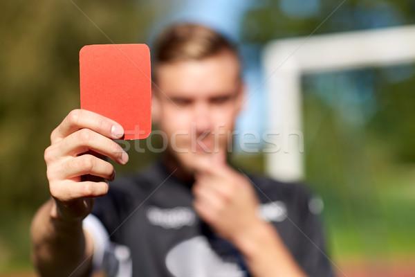árbitro mãos vermelho cartão campo de futebol esportes Foto stock © dolgachov