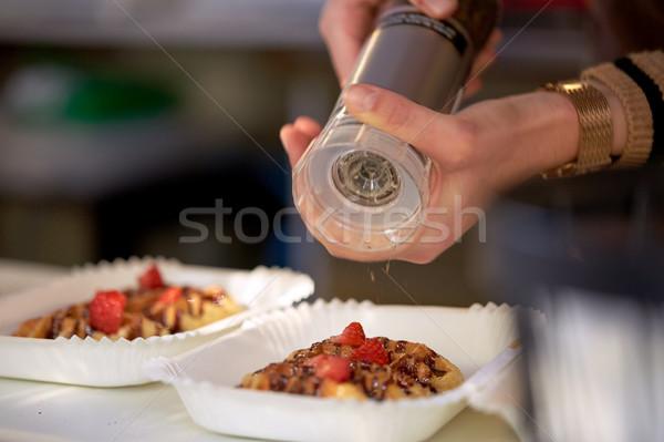 Kok handen wafel voedsel koken Stockfoto © dolgachov