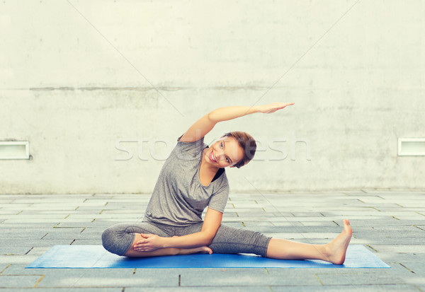 Сток-фото: счастливым · женщину · йога · фитнес