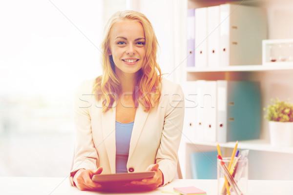 üzletasszony diák táblagép iroda üzlet oktatás Stock fotó © dolgachov