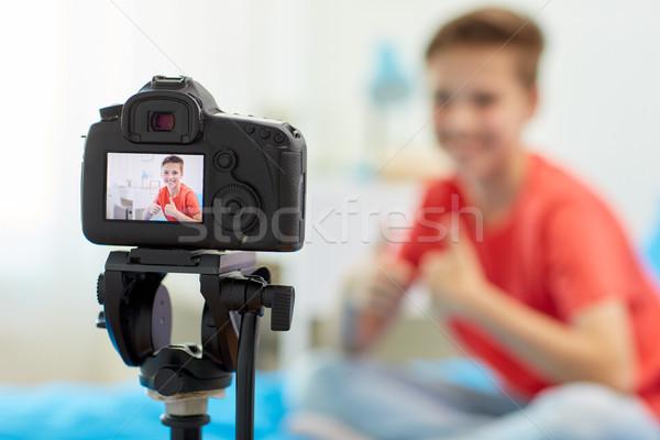 カメラ ビデオ ブロガー 少年 ホーム ブログ ストックフォト © dolgachov