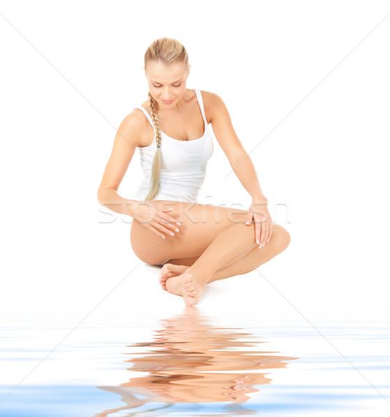 Gyönyörű nő pamut fehér homok kép nő test Stock fotó © dolgachov